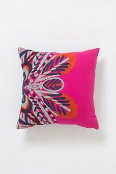 Bianca Cushion   Anthropologie.eu Pink Sofa, Pink Pillows, Sofa Pillows, Throw Pillows, Chair Cushions, Down South, Designer Pillow, Soft Furnishings, Textures Patterns