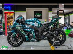 - Kawasaki – Motorfiets – # You are at the right place for Kawasaki verde Here we offer you the most beautiful pictures with the keyword you are looking for. If you Kawasaki – Motorfiets – - Kawasaki Motorcycles, Racing Motorcycles, Motorcycle Bike, Custom Motorcycles, Custom Baggers, Kawasaki Zx10r, Ducati, Chopper, Custom Sport Bikes