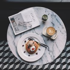 pancakes & coffee for brunch Coffee Love, Coffee Break, Morning Coffee, Coffee Shop, Coffee Coffee, Savarin, Aesthetic Food, Blog Planner, Food Styling