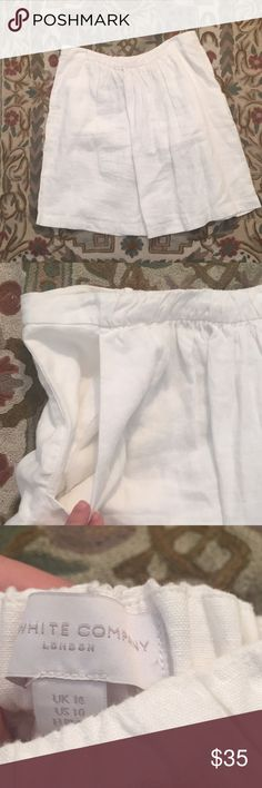 The White Company Linen Skirt 10 Beautiful British brand The White Company. High quality linen with silk lining and 2 front pockets. Size US 10 with stretch waistband. The White Company - London Skirts