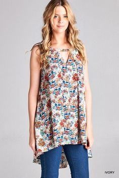 The style of the Tori Tunic at Blush and Bashful Boutique is definitely in right now, and so is floral! Just a few left so claim yours by clicking through to our website! Have fun shopping!