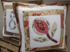 Moje malé radosti.....: Polštáře k narozeninám...nejsem zastáncem těchto d... Quilts, Blanket, Pillows, Handmade, Hand Made, Quilt Sets, Blankets, Log Cabin Quilts, Cushions