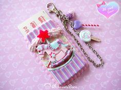 Merry-go-round pony IC card case (Pink × Blue × Purple)