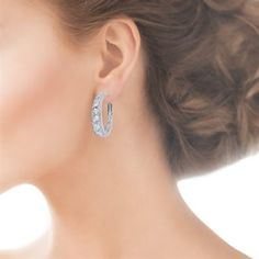 Beauty Blitz Sixteen graduating crystals burst with the beauty of Swarovski's blazing new stone colors. These gorgeous earrings feature easy-to-wear lever back closures. http://www.fifthavenuecollection.com/beauty-blitz-es-blit-hp-01