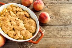 Paleo őszibarackos cobbler Peach Cobbler Crumble, Homemade Peach Cobbler, Delicious Desserts, Dessert Recipes, Kinds Of Desserts, Pie Cake, Fresh Fruit, Tasty, Favorite Recipes