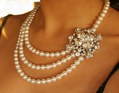 Pearl and Crystal Necklace Bridal Jewlery Rhinestone
