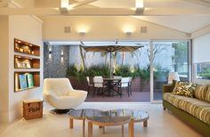 Sala - Projeto: Rodrigo Barbosa Produto: Cerâmica Portinari, Salas, Rooms