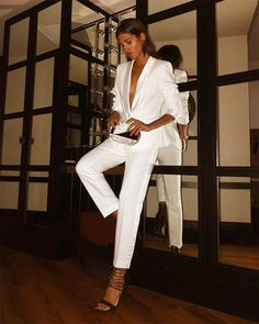 @Meryturiel New Years Eve Outfits, Night Outfits, Classy Outfits, White Fashion, Love Fashion, Fashion Outfits, Estilo Fashion, Ideias Fashion, Carrie