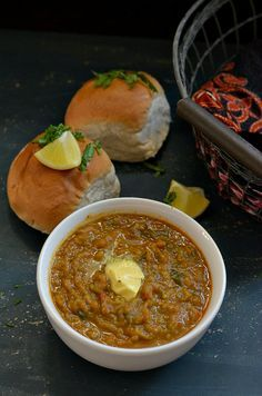 Pav bhaji – Mumbai's favourite street food. Mashed vegetables cooked with exotic spices, served with toasted dinner rolls. Heaven it is ! Veg Recipes, Spicy Recipes, Indian Food Recipes, Asian Recipes, Vegetarian Recipes, Cooking Recipes, Indian Vegetable Curry, Vegetable Stew, Quinoa