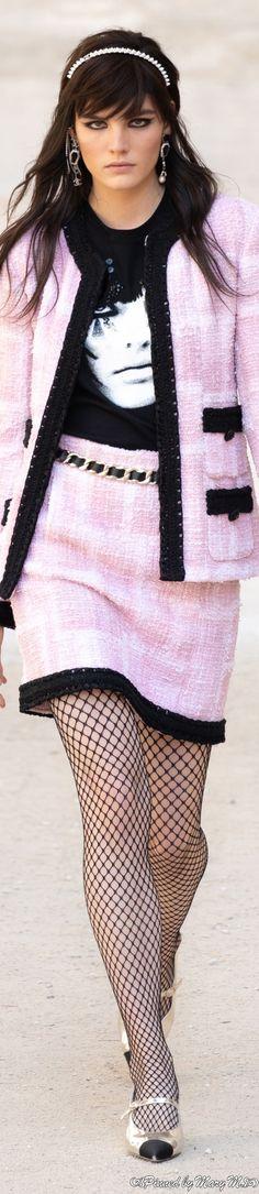 Chanel Fashion, All Fashion, Pink Fashion, Fashion 2020, Runway Fashion, Womens Fashion, Chanel Style, Coco Chanel, Chanel Brand