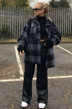 Edgy Outfits, Retro Outfits, Cute Casual Outfits, New Outfits, Winter Outfits, Fashion Outfits, Looks Street Style, Casual Street Style, Tumbr Girl