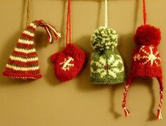 how to: knit Christmas snow hats