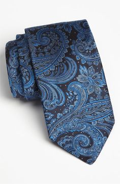 I have a tie like this. Sharp Dressed Man, Well Dressed Men, Best Comfortable Shoes, Tie And Pocket Square, Pocket Squares, Future Clothes, Elegant Man, Mens Attire, Suit And Tie