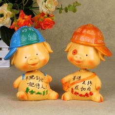 Home accessories computer accessories decoration resin doll bookshelf decoration birthday gift pig