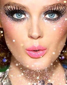 Want to look the best, like the QUEEN =Glitter Makeup!! With glitter shoes and clothes, no one will NOT notice you. Easy and beautiful makeup and costume.