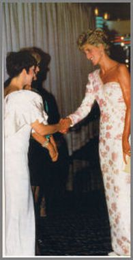 """September 19, 1991: Princess Diana speaking to Liza Minelli at the """"Stepping Out"""" Premiere."""