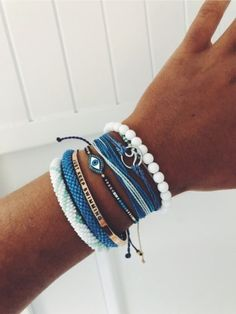 38 Cute Summer Accessories Jewelry Ideas For Pretty Look Cute Jewelry Ring Spectacular Jewelry Accessories Watches Pink and Pretty Nail Design Chunky and trendy accessories and clothes for… Beach Bracelets, Pura Vida Bracelets, Summer Bracelets, Cute Bracelets, Summer Jewelry, Bracelets For Men, Beach Jewelry, Gold Bracelets, Ankle Bracelets