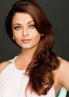Aishwarya Rai is a talented artist and very popular among fans. Aishwarya Rai photo gallery with amazing pictures and wallpapers collection. Aishwarya Rai Photo, Actress Aishwarya Rai, Aishwarya Rai Bachchan, Stunningly Beautiful, Beautiful Eyes, Most Beautiful Women, Beautiful People, Beautiful Bollywood Actress, Beautiful Indian Actress