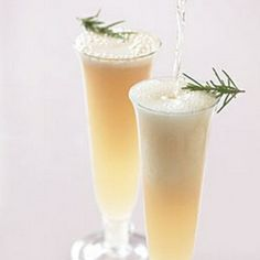 Celebrate With These Champagne Cocktail Drinks, diamond fizz