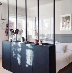 IKEA Ivar cabinets with a glass wall above create a hidden sleeping area in . - IKEA Ivar cabinets with a glass wall above create a hidden sleeping area in a studio … - Ikea Ivar, Small Apartments, Bedroom Design, Bedroom Layouts, Studio Apartment Decorating, Interior, Apartment Design, Home Decor, Apartment Decor