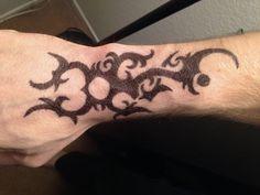 Jesse Pinkman, Mini Tattoos, Body Art Tattoos, Tatoos, Tatuaje Breaking Bad, Breaking Bad Jesse, Black Art Tattoo, Tatuagem Old School, Piercings