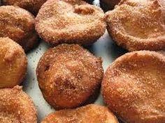 Bladerdeeg Appelbeignets uit de frituur met amandelspijs