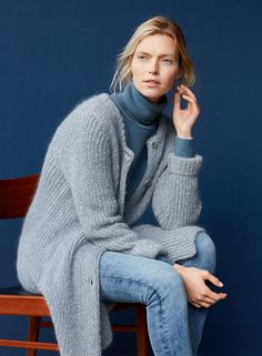 NOVEMBER: A double dose of knit – perfect for the autumn cold. #marcopolo #followyournature #knit #autumn