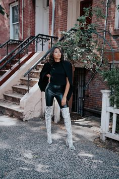 I have been pretty afraid to go full-on with the popular animal print boot trend. But the animal print boot trend is actually easy to pull off. Snake Print Boots, Leopard Print Boots, Snake Boots, Winter Boots Outfits, Fall Outfits, Cute Outfits, Girly Outfits, Beautiful Outfits, Casual Outfits