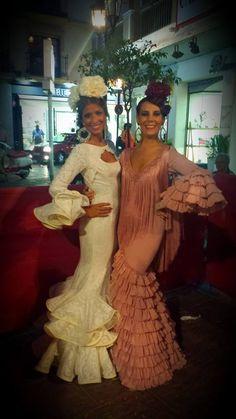 Luz Puentes Hernández Flamenco Dresses, Flamenco Costume, Spanish Dance, Spanish Style, Spanish Fashion, Long Skirts For Women, Dance Outfits, Dress Skirt, Costumes
