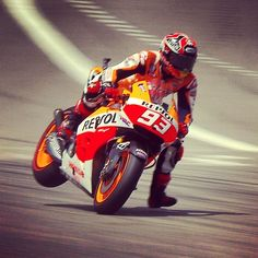 #SaturdayStoppie courtesy of @marcmarquez93 #Padgram