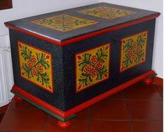 Lidový malovaný nábytek
