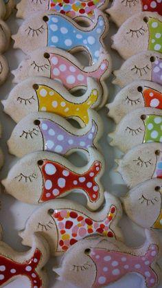 Rybička / Zboží prodejce Akoča a Ufola Pottery Animals, Ceramic Animals, Clay Animals, Fimo Clay, Polymer Clay Projects, Clay Crafts, Ceramic Wall Art, Ceramic Pottery, Paper Clay