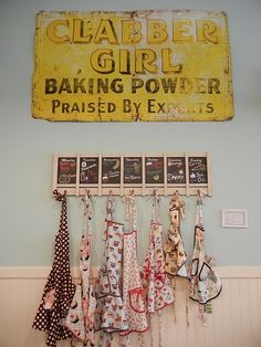 12 vintage kitchen collections featured on (Mostly) Wordless Wednesday - Living Vintage