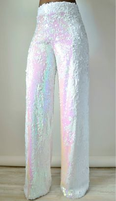 Sparkle and dazzle wearing our White Iridescent Sequin Wide Leg Pants to your next event . Sequin Outfit, Sequin Pants, Sequin Jumpsuit, Lining Fabric, Design Model, Wide Leg Pants, Ideias Fashion, Fashion Dresses, Cute Outfits