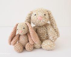 Crochet Amigurumi Rabbit Ideas Classic Stuffed Bunny Crochet Pattern for Easter - Easter Crochet Patterns, Crochet Bunny Pattern, Cute Crochet, Amigurumi Patterns, Crochet Baby, Diy Bebe, Crochet Gratis, Amigurumi Doll, Crochet Animals