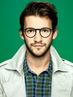 round glasses men
