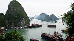 I want to spend the night on a boat that's floating along Halong Bay.