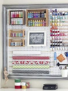 Home Hack: 10 Stylish Ways to Organize the Chaos - simple tricks to organize the chaos // craft room peg board - Sewing Room Organization, Craft Room Storage, Storage Ideas, Paper Storage, Craft Rooms, Diy Storage, Organization Ideas, Thread Storage, Pegboard Craft Room