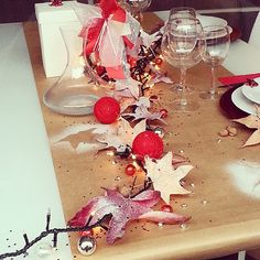Tavola di Natale Christmas Time, Alcoholic Drinks, Wine, Glass, Instagram, Alcoholic Beverages, Drinkware, Liquor, Glas
