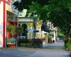 The Canadian side of Niagara Falls is Niagara-on-the-Lake.  A lovely town!  Totally charming!