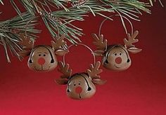 How cute are these metal reindeer ornaments!