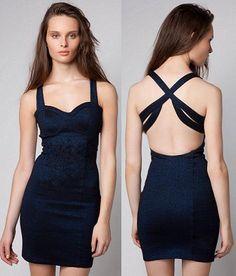 Resultados de la Búsqueda de imágenes de Google de http://www.especialvestidos.com/wp-content/uploads/vestidos/vestidos-de-moda/vestidos-escote-espalda3.jpg
