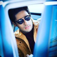 Those shades #sidharthmalhotra. . Hes looking aooo cuteeeee.