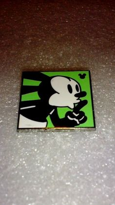 Disney pins 2014 Hidden Mickey Oswald Shh