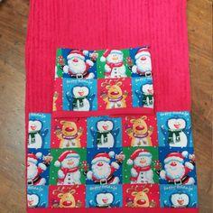 Coppia di asciugamani con balza natalizia realizzati a mano di CuorediCasa su Etsy