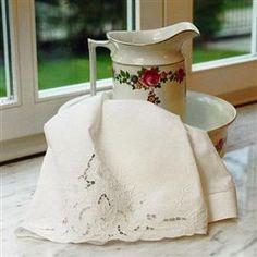 Asciugamani in pizzo e ricamati: il tuo asciugamano ricamato   Ricami e Pizzi
