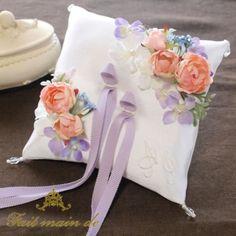 リングピロー手作りキット【フラワーガーデン】 Ring Pillows, Ring Bearer, Different Colors, Baby Shoes, Wedding, Design, Weddings, Valentines Day Weddings, Baby Boy Shoes