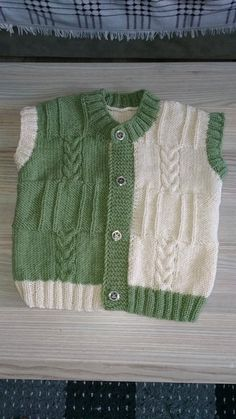 2 Colorful Vested Vest Making. For 4 years. - Minire - - 2 Colorful Vested Vest Making. For 4 years. Baby Knitting Patterns, Baby Cardigan Knitting Pattern, Baby Boy Knitting, Knitting Designs, Baby Patterns, Knit Baby Sweaters, Knitted Baby Clothes, Boys Sweaters, Cardigan Bebe