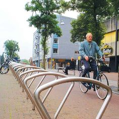 STREETLIFE Clip Bicycle Racks. Supporting stand for bicycles in stainless steel. #StreetFurniture  #UrbanDesign #BikeRack