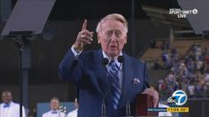 Vin Scully honored in ceremony at Dodger Stadium as legendary career nears its end | abc7.com
